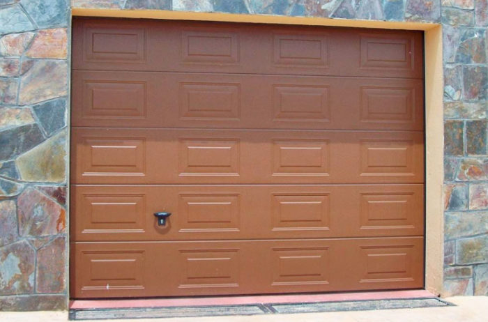 Puertas de garaje 5 garma milenium for Muebles megapark